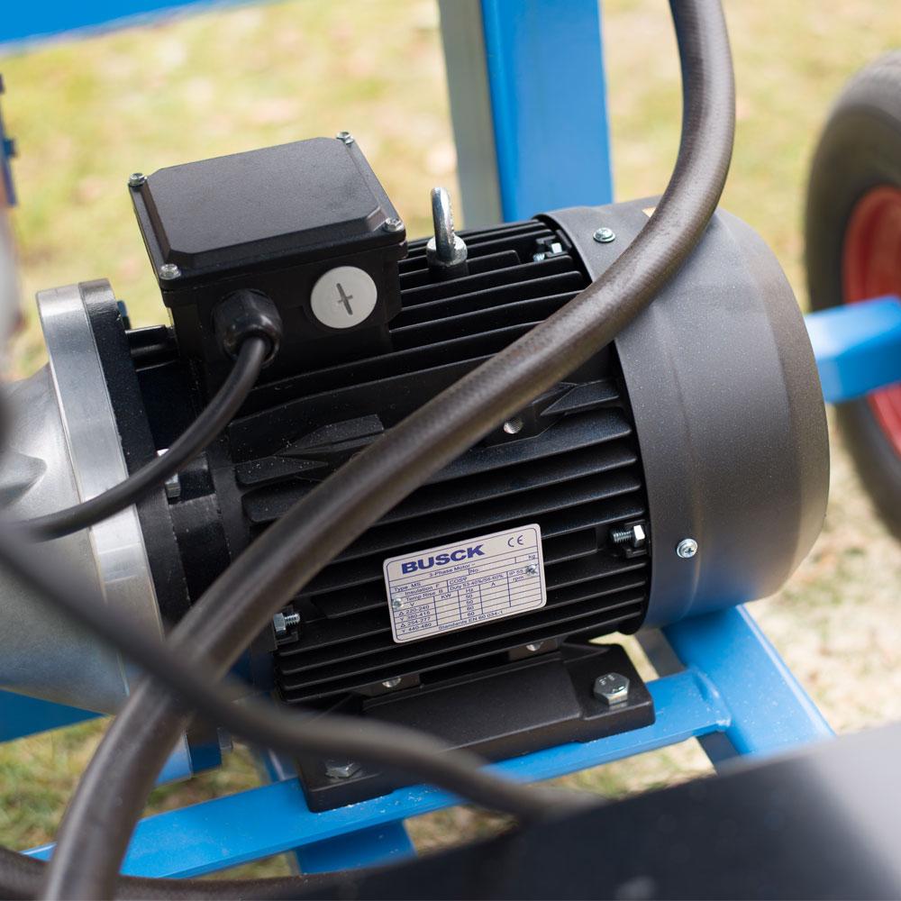 PW vedmaskin inzoomning på motorn
